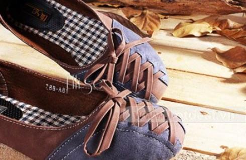 Khẳng Định Đẳng Cấp Thời Trang Trong Từng Bước Đi Với Các Sản Phẩm Giày Ellise Của Cửa Hàng Verchino. Voucher 350.000 VNĐ, Còn 99.000 VNĐ, Giảm 72%.