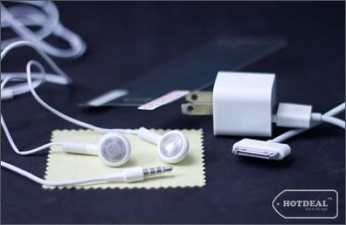 Combo 4 Món Cho iPhone Với Bộ Sản Phẩm: Dây Cáp + Cục Sạc, Tai Nghe, Miếng Dán Màn Hình – Cho Bạn Trải Nghiệm Những Tiện Ích Tuyệt Vời Nhất. Giá 150.000 VNĐ, Còn 75.000 VNĐ, Giảm 50%.