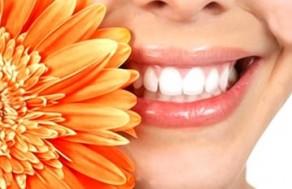 Hàm Răng Trắng Đẹp, Nụ Cười Rạng Rỡ, Tự Tin Với Gói Dịch Vụ Răng Sứ Titan Tại Nha Khoa Răng Sứ. Voucher 2.000.000 VNĐ, Còn 690.000 VNĐ, Giảm 66%.