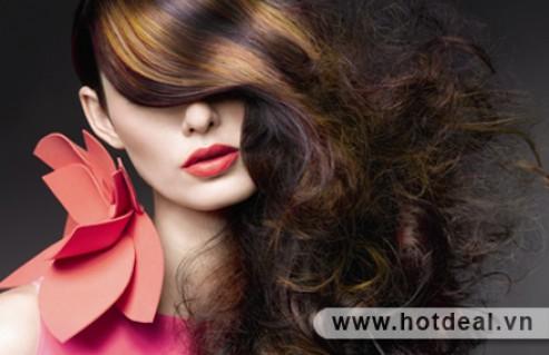 Chào Mùa Mới Với Mái Tóc Trẻ Trung, Cá Tính Cùng 01 Trong 03 Dịch Vụ Làm Tóc Tại Peter Hair Salon. Voucher Trị Giá 280.000Đ Giảm Còn 140.000Đ. Giảm 50% Duy Nhất Tại