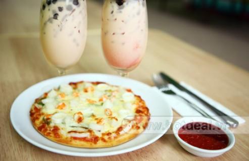 Thưởng Thức Combo Gồm Pizza Hải Sản Size S Cùng 2 Ly Trà Sữa Trân Châu Tự Chọn mùi vị Dành Cho 2 Người Tại Pizza & Trà Sữa Refresh. Voucher 119.000 VNĐ, Còn 69.000 VNĐ, Giảm 42%.