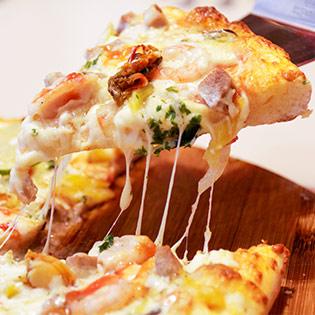 Hot Deal - Thuong Thuc Huong Vi Pizza Y Tai He Thong Pizza REX