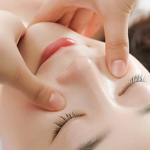 KH Massage Mặt Cá Nhân Tại TT Làm Đẹp Dal Spa