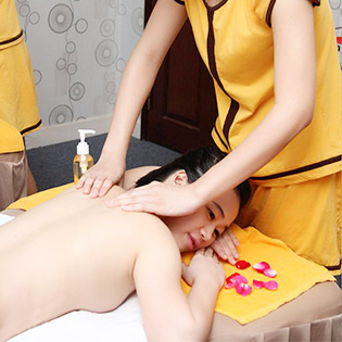 Hot Deal - Spa Nguyet Que 2 - Massage Body + Tam Yen Manh Khong Nhan Tip