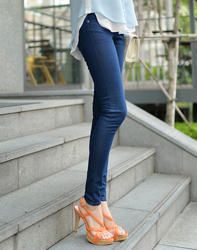Quần Jeans Lưng Cao Trẻ Trung