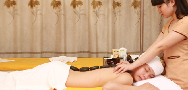 Hot Deal - Ngam Chan + Massage Body + Chay Collagen Tuoi + Dap Mat Na Dau Tay