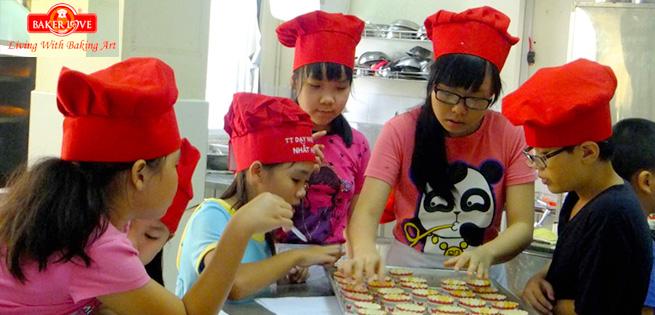 [Tp. HCM] Trẻ Học Làm Bánh Âu/ Bánh Trung Thu Tại Nhất Hương – Thỏa Sức Mang Về, Giá: 119.000đ – Giảm -66%