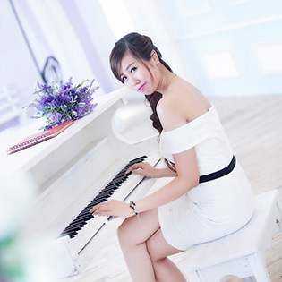 Hot Deal - Chup Anh Chan Dung Nghe Thuat Tai Phim Truong Mariage Etrange