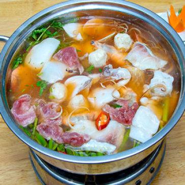 Hot Deal - Thuong Thuc Cac Loai Lau Dong Gia Chu's Hotpot Cho 2 Nguoi An