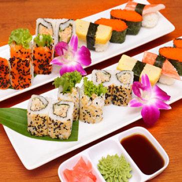 Hot Deal - 1 Trong 2 Combo Sushi Tuoi Ngon Danh Cho 1 Nguoi – Giao Hang Mien Phi