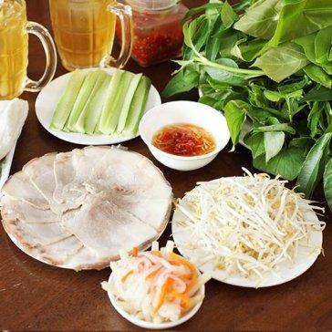 Hot Deal - Banh Trang Phoi Suong Cuon Thit Luoc, Rau Rung + Tra Xanh Cho 2 Nguoi Tai Co Ba Trang Bang