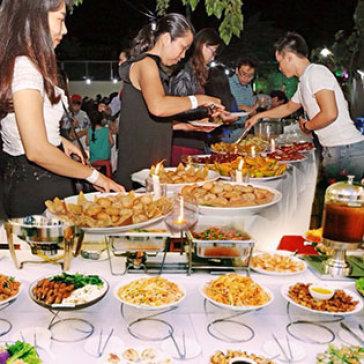 Hot Deal - Diẽn Dàn Phạt Pháp Úng Dụng Két Họp Dùng Buffet Tói Vói 30 Món An Dạc Sác Tại Nhà Hàng Chay Sivali (New)