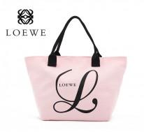 2 túi xách Loewe and Kitson
