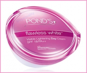 POND'S FLAWLESS WHITE LIGHTENING DAY CREAM 50 G