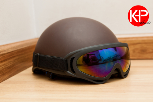 Nón Bảo Hiểm Có Kính Chống Tia UV ( Brown)