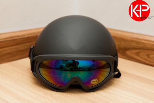 Nón Bảo Hiểm Có Kính Chống Tia UV (Black)