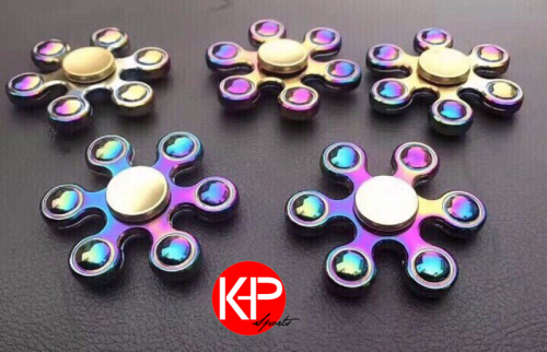 K Deal - Con Quay Hand Spinner Nhom UFO 7 Mau - Fidget Spinner Hot 2017