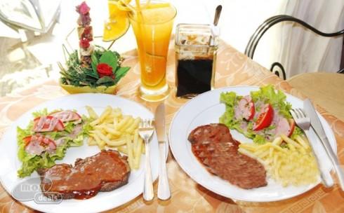 Beefsteak Nai BBQ Sốt Dâu Tằm