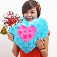 Giáng sinh ấm áp với gối hình trái tim