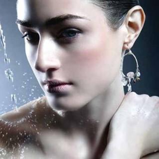 Chăm sóc da mặt làm trắng da cân bằng sắc tố