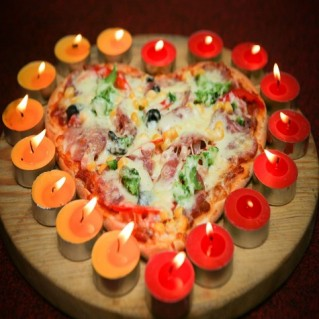 Pizza xúc xích, Pizza Home đặc biệt, Pizza bò