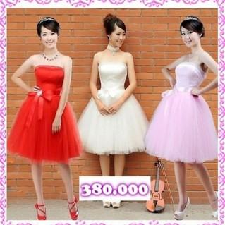 Đầm xòe công chúa và đầm cưới ngắn