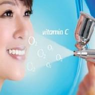 Chăm sóc mặt với vitamin C và oxy JET