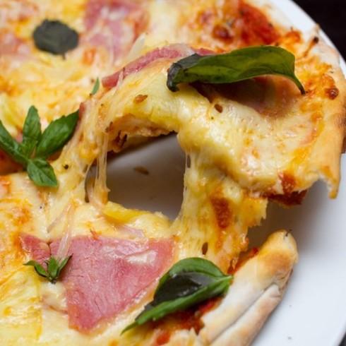 Pizza xúc xích dành cho 1 người NH Provecho
