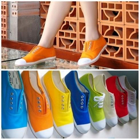 Tự tin xuống phố với giày thời trang Aqua