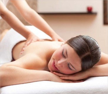 Massage body tinh dầu + rửa mặt đắp mặt nạ