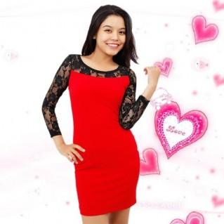 Đầm body phối ren hoa hồng