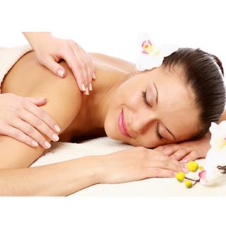 Massage body bằng tinh dầu thiên nhiên