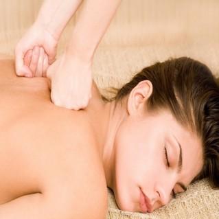 Massage toàn thân với tinh dầu hướng dương
