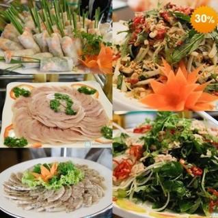 Buffet trưa tại Khách sạn Quê Hương