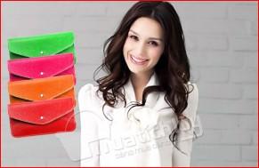 Ví cầm tay thiết kế hình bì thư. Phong cách thời trang đơn giản – Màu sắc trẻ trung. Tại Mua Tích Lũy bạn nhận được giá ưu đãi hấp dẫn chỉ 65.000Đ.