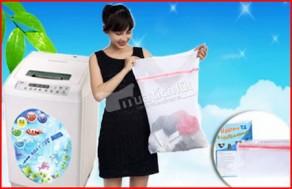 Combo 2 túi lưới giặt đồ, chất liệu 100% Polyester, bảo vệ hữu hiệu cho quần áo của bạn khi giặt bằng máy. Giá 90.000Đ, còn 47.000Đ, giảm 48%. Chỉ có tại Muatichluy.com