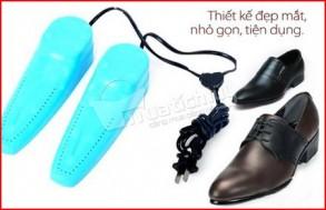 Máy sấy khô & khử mùi giày bằng tia cực tím. Giữ cho đôi giày luôn khô ráo, thơm tho. Chỉ 67.000Đ tại Muatichluy.com