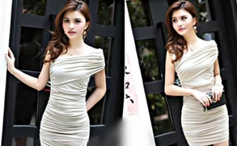 Đầm body ôm lệch vai nếp gấp, giá chỉ còn 139.000 đ