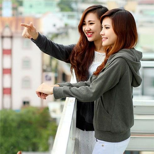 Áo khoác nữ style Hàn Quốc túi rộng
