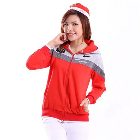 Áo khoác nữ phối màu viền tay cho bạn thêm cá tính mùa Noel
