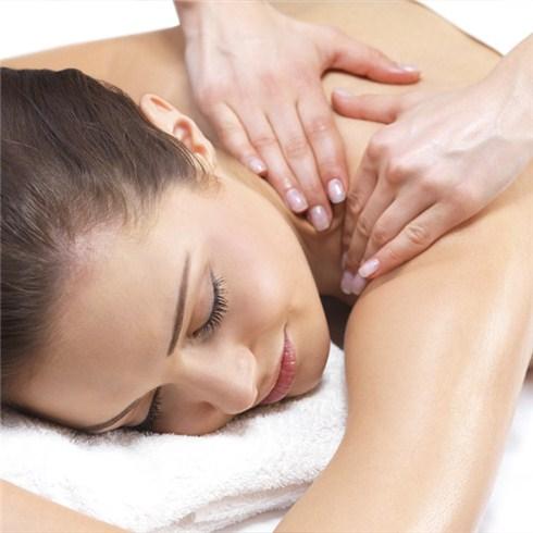 Massage body tinh dầu 70 phút tại Key club Spa