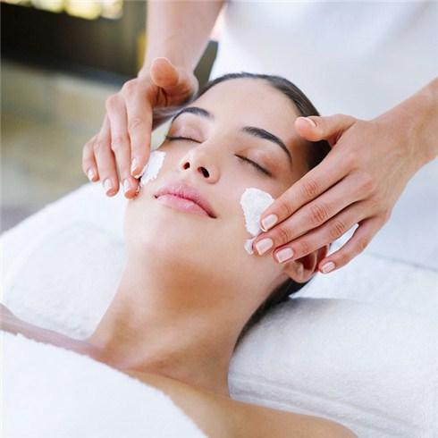 Massage Facial bằng đá thạch anh tại The Corner Spa (45 phút)