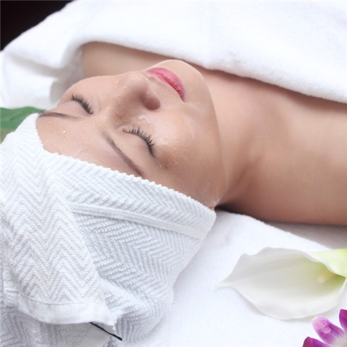 Tẩy tế bào chết và đắp mặt nạ collagen - Terengoc Academy & Spa