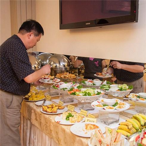 Buffet sáng 36 món (áp dụng lễ, Tết) tại Khách sạn Hoàng Phú Gia