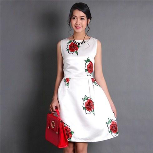 Đầm xòe họa tiết hoa hồng