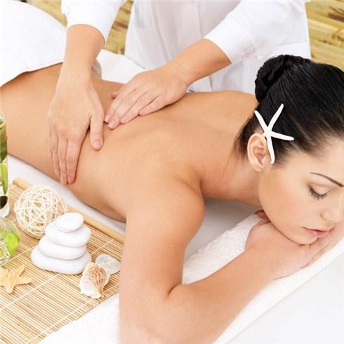 Massage body 60 phút tại Ngọc Trinh Spa