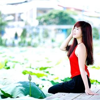 Nhóm Mua - Goi chup anh ngoai troi tai Sen Ho Tay cung voi Valentine Studio