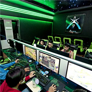 Nhóm Mua - Aura Gaming - The choi game 1 thang + 1 phan an + 1 nuoc ngot