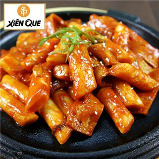 Nhóm Mua - Banh gao Han Quoc va nuoc sot cay nong - He Thong Xien Que