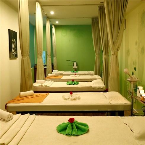 Massage body, foot tinh dầu 70' - Hương Trầm Spa, miễn tip
